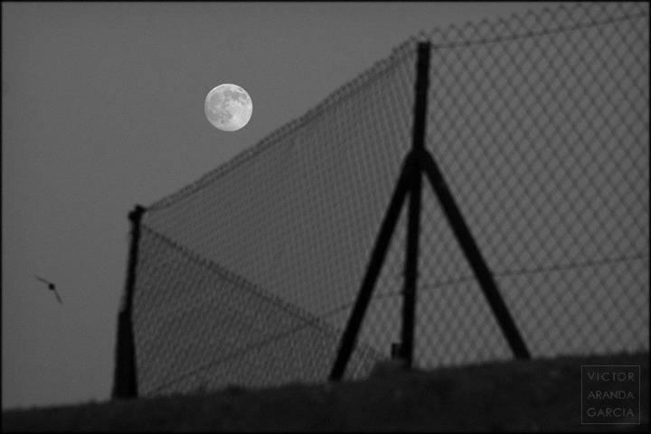 luna con valla