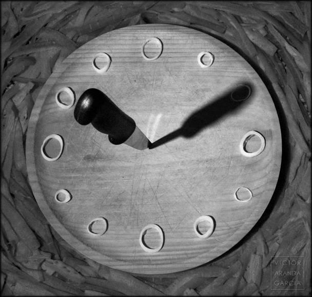 Fotografía de una tabla de cortar que parece un reloj